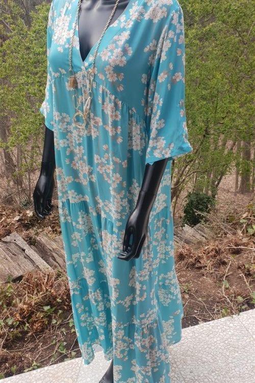 Lange jurk met lentebloesems