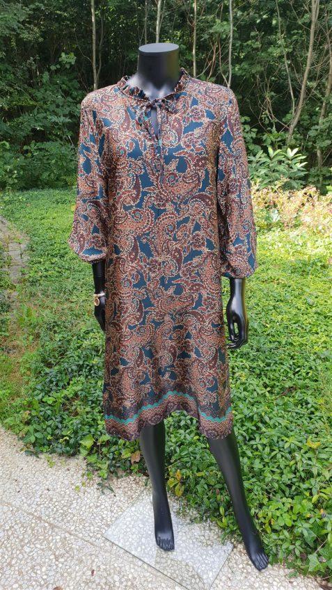 Halflange jurk in cashmere print