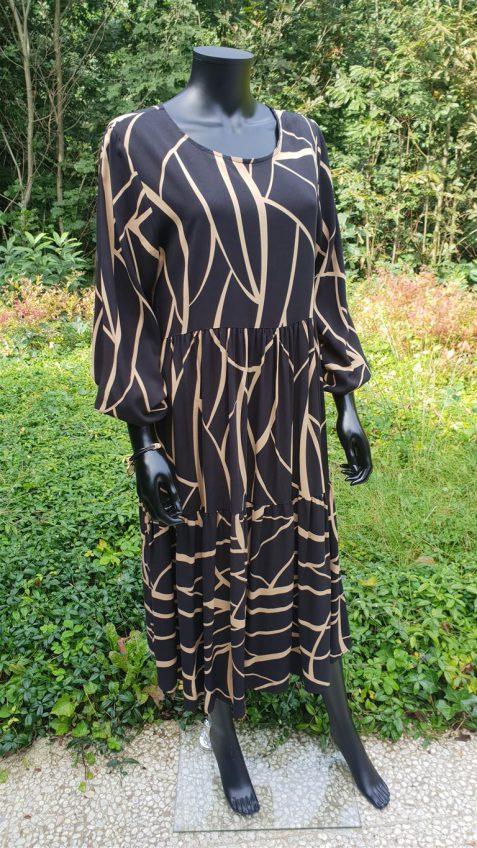 Lange jurk met zwart-beige print